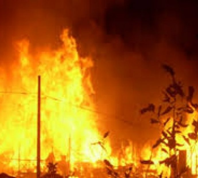 Five houses gutted in fire